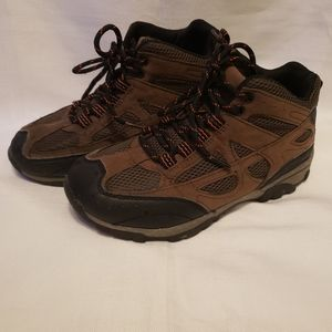 🍂🥾Boys Wonder Nation Brown Hiking Boots Size 2